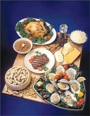 Foods rich in zinc, which is important for human immunity, include eggs, cheese, oysters, beef, peanuts and beans.